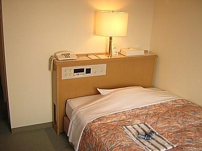 サニーストンホテル新大阪 ベッド