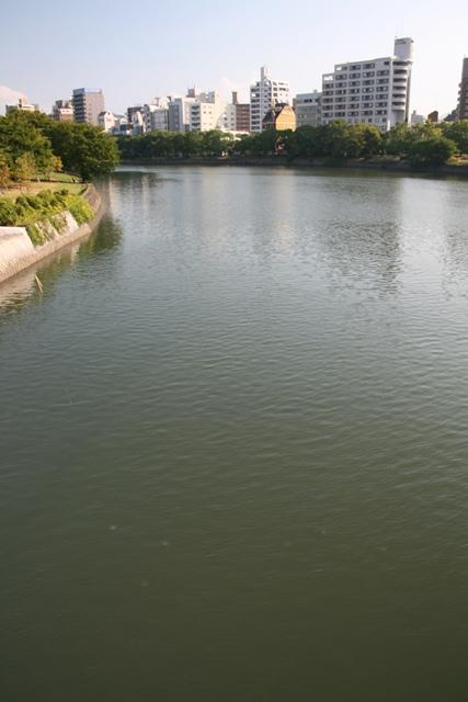 IMG_2044 京橋川 鶴見橋の上流方向 W