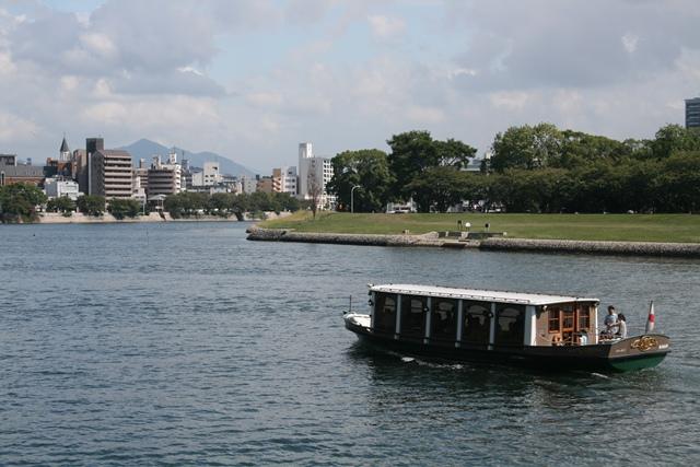 IMG_2192 太田川遊覧船 W