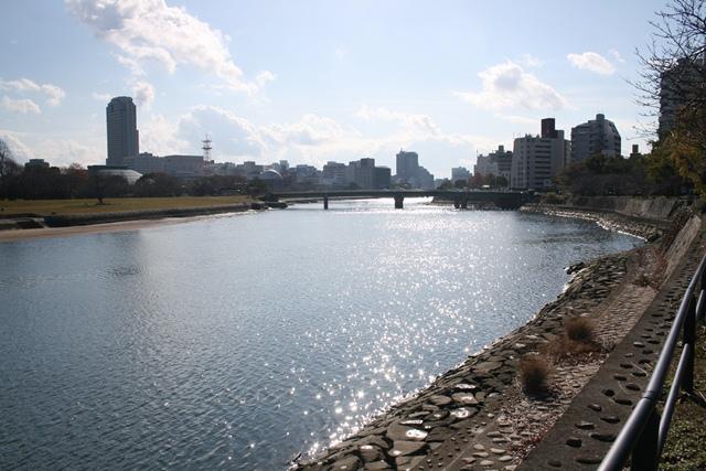 IMG_3267 陽光の太田川 W