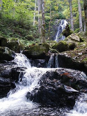 四十八滝の流れ