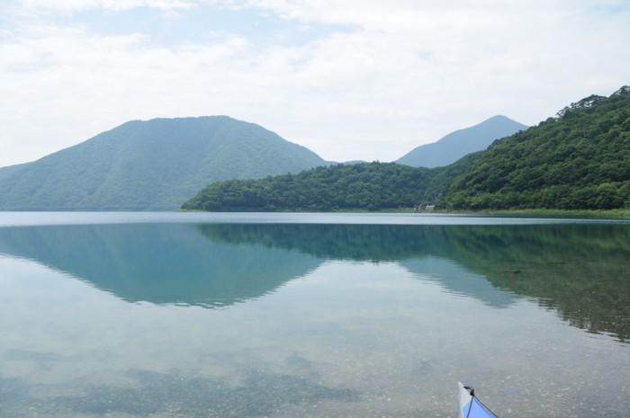 8512今日の湖面は静かだよ!