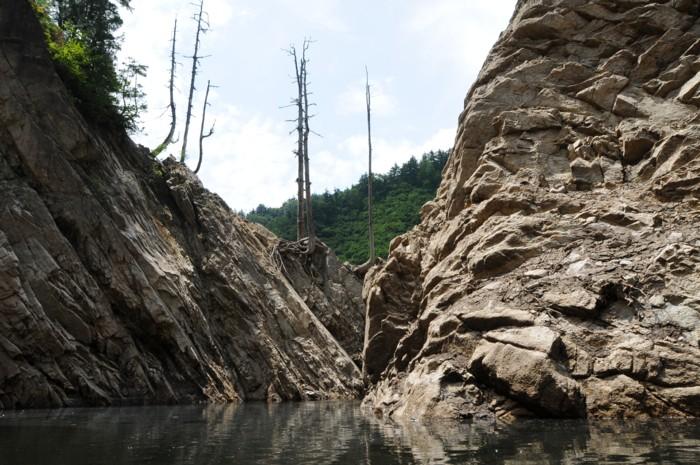 0218湖の真ん中からは、こんな奥見えません。
