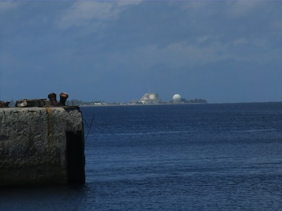 遠くから見る、クワジェリン島