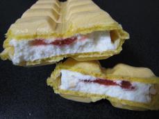 苺のショートケーキモナカ
