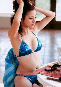 sugimoto_yumi_g135.jpg