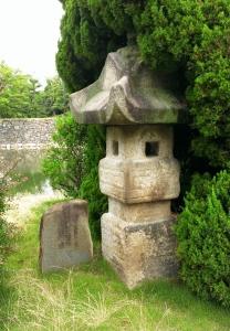 池田勇人愛蔵の朝鮮燈籠