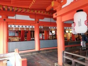 厳島神社本社
