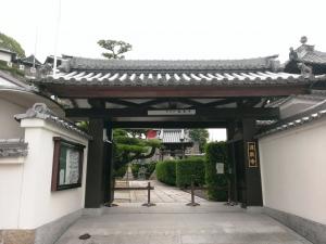 蓮教寺山門