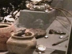 被爆した陶製碁石