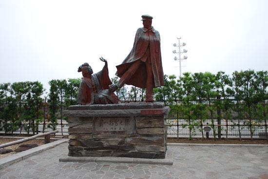 熱海 寛一・お宮の像
