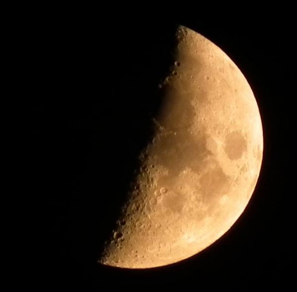 HS10で月の撮影