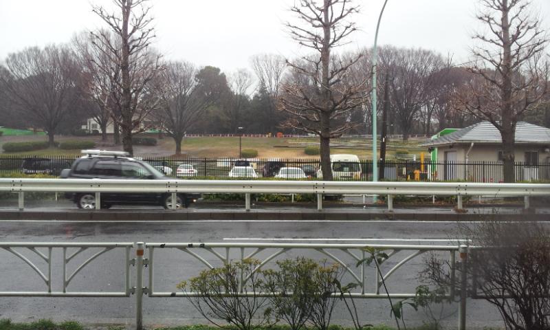雨の日の病院前!