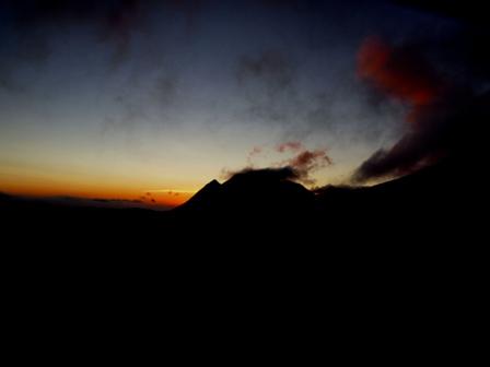 1夜明けの三俣山 P7154333