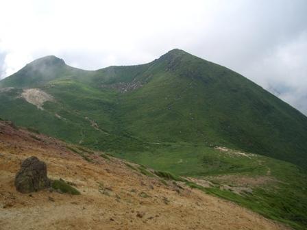 32稲星山山頂から右に中岳左に天狗ケ城 CIMG0354