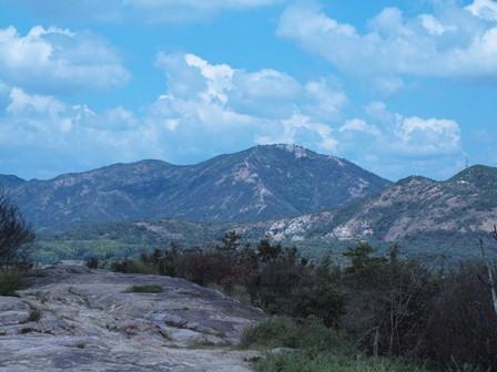 37石が動いてきた山