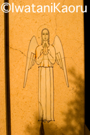 『Talking with Angels』西洋墓地の天使像 : 岩谷薫-08_12_7_記事