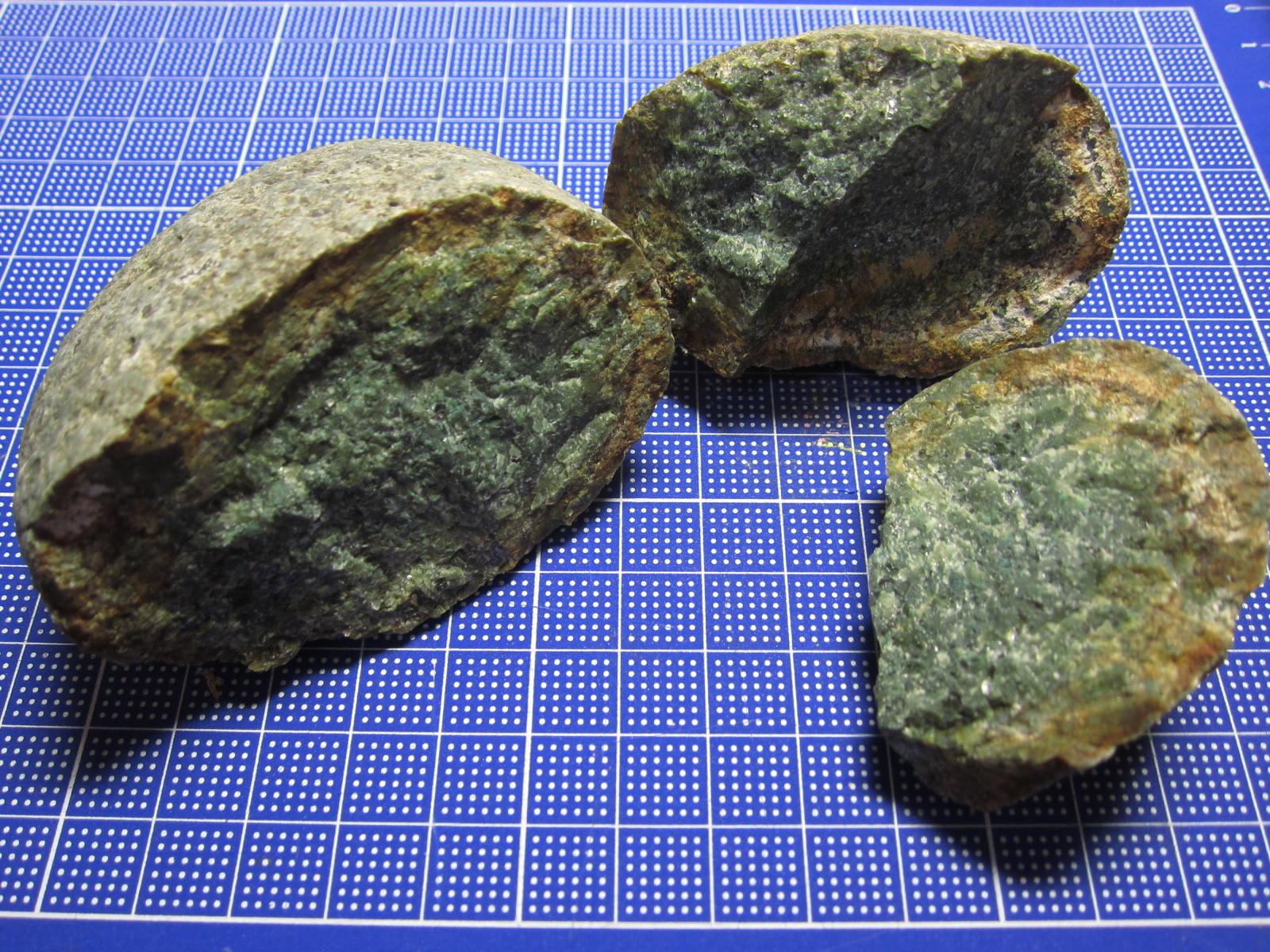 葉山のかんらん岩(蛇紋岩)