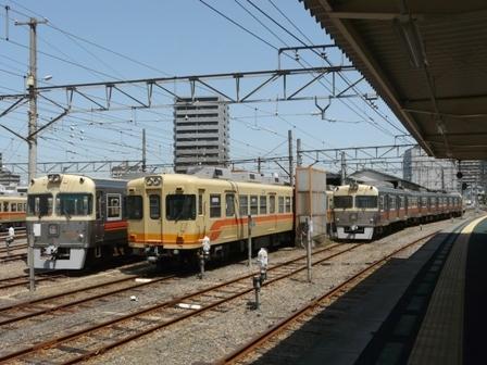 伊予鉄道・古町駅 洗車風景 2