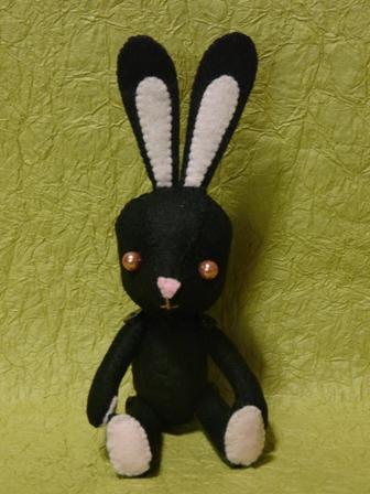 フェルトの黒ウサギさん 1
