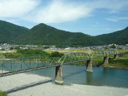 松山-神戸間・高速バス 車窓風景 3