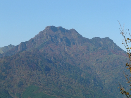 瓶ヶ森林道から見た石鎚山