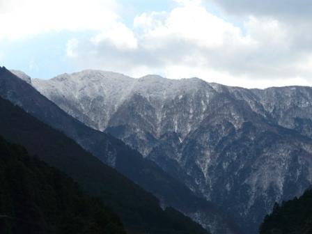 雪の山 1