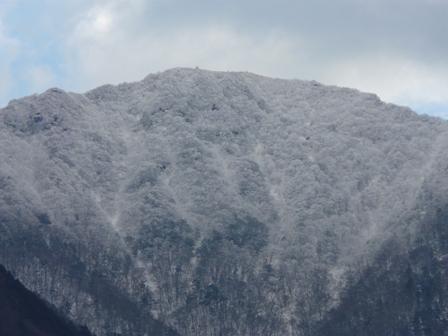 雪の山 2