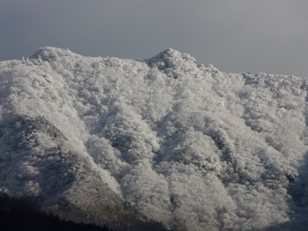 雪の山 5