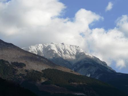 雪の山 3
