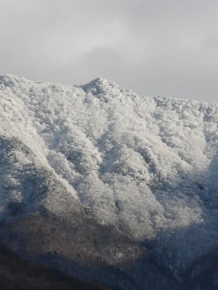 雪の山 6