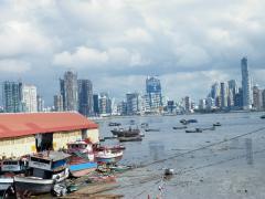 漁港と新市街
