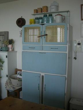イギリス食器棚