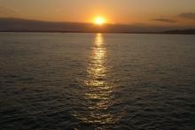 ばんちゃんの旅案内 -日本全国自走の旅--東京湾フェリーの夕日