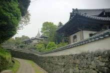 ばんちゃんの旅案内 -日本全国自走の旅--寺院と教会が見える風景