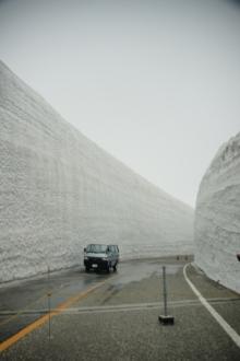 ばんちゃんの旅案内 -日本全国自走の旅--雪の大谷