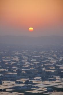 ばんちゃんの旅案内 -日本全国自走の旅--散居村の夕日