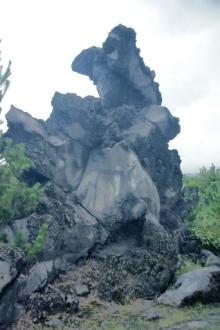 ばんちゃんの旅案内 -日本全国自走の旅--桜島の溶岩