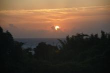 ばんちゃんの旅案内 -日本全国自走の旅--珊瑚礁からの夕日