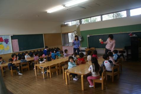 2012-04-18 保育の様子 006 (800x536)