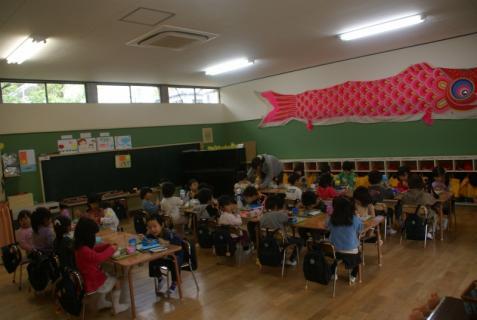 2012-04-27 1年生、初めての昼食 028 (800x536)