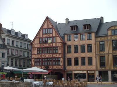 rouen 旧市場広場