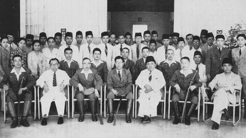 s-インドネシアの指導者と日本軍人