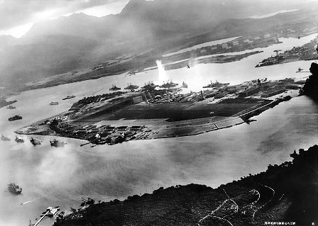 Attack_on_Pearl_Harbor_Japanese_planes_viewS.jpg