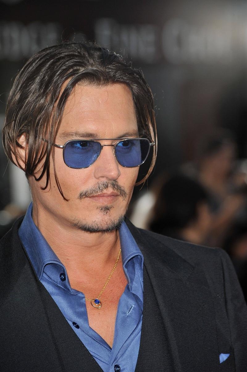 Johnny_Depp_-_Public_Enemies_premiere_in_Los_Angeles_June_23_(2).jpg