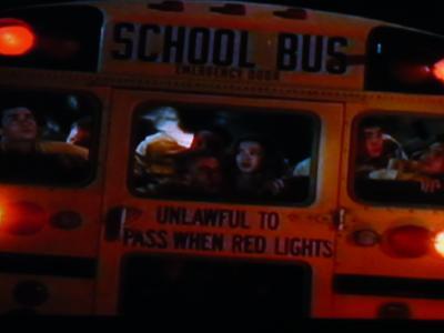 HC:バスに避難