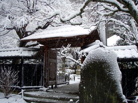 東慶寺本堂前20120229