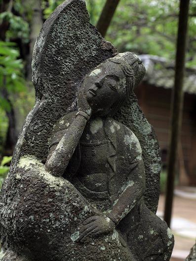 円覚寺石仏20120708
