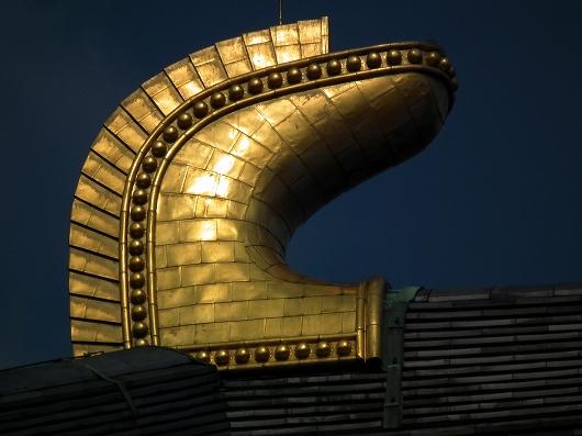 東大寺大仏殿鴟尾2-20111229