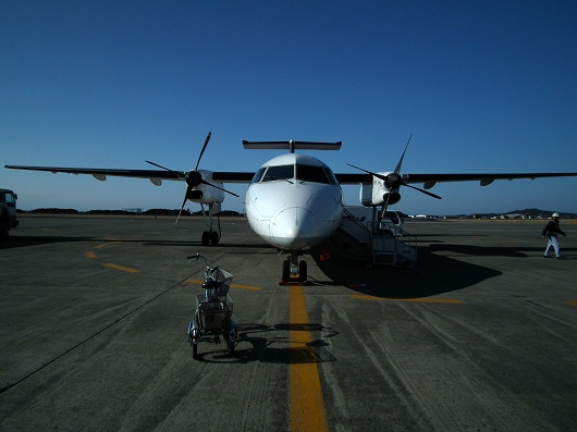 ANA1603便11-20120303